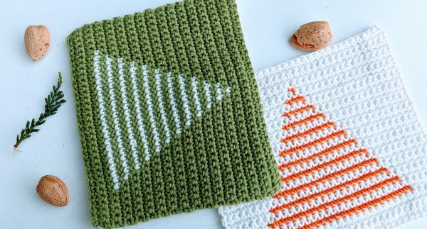 christmas tree in green and white and orange potholders