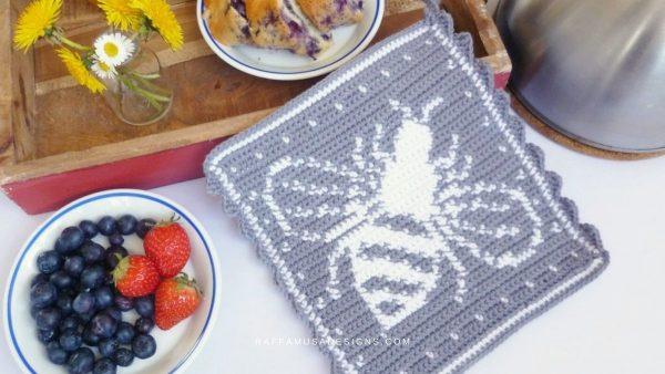 bee crochet potholder