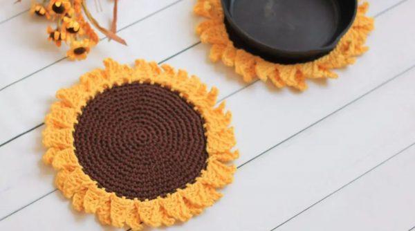 sunflower crochet potholder