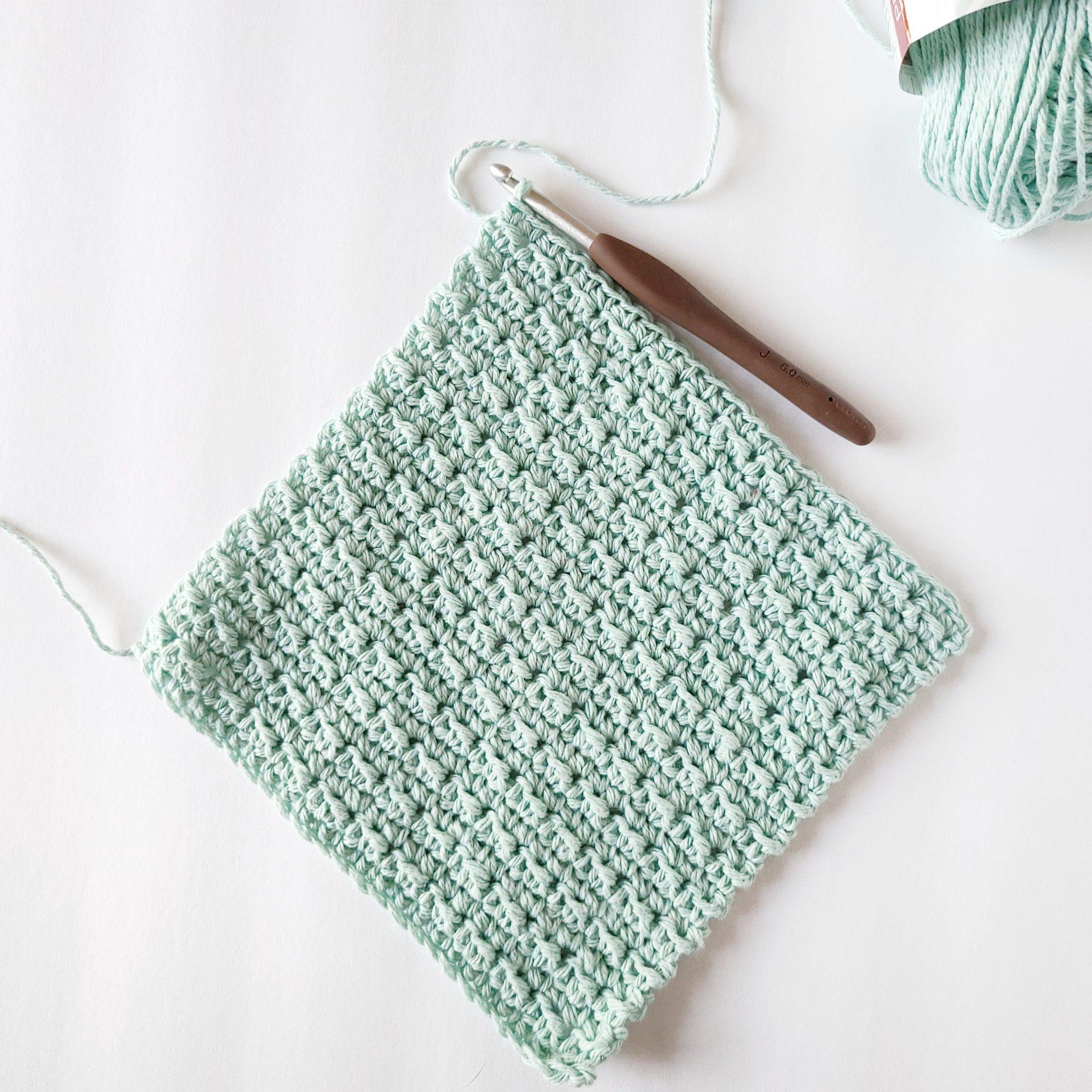 gant de toilette au crochet de couleur menthe
