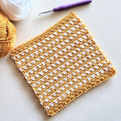 moss stitch crochet square in mustard and white